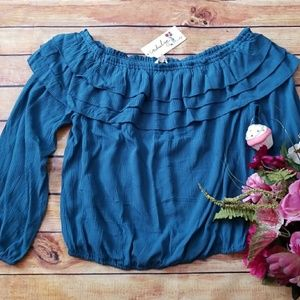 🌹New Listing🌹Ruffled Crop Top, Size L